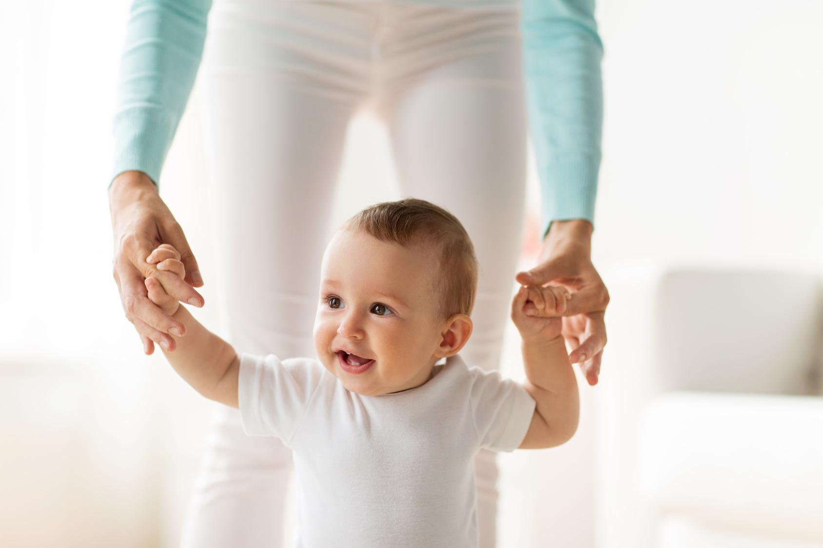 Comment se déroule l acquisition de la marche chez bébé    Laurence Pernoud 64b16fa8a2e