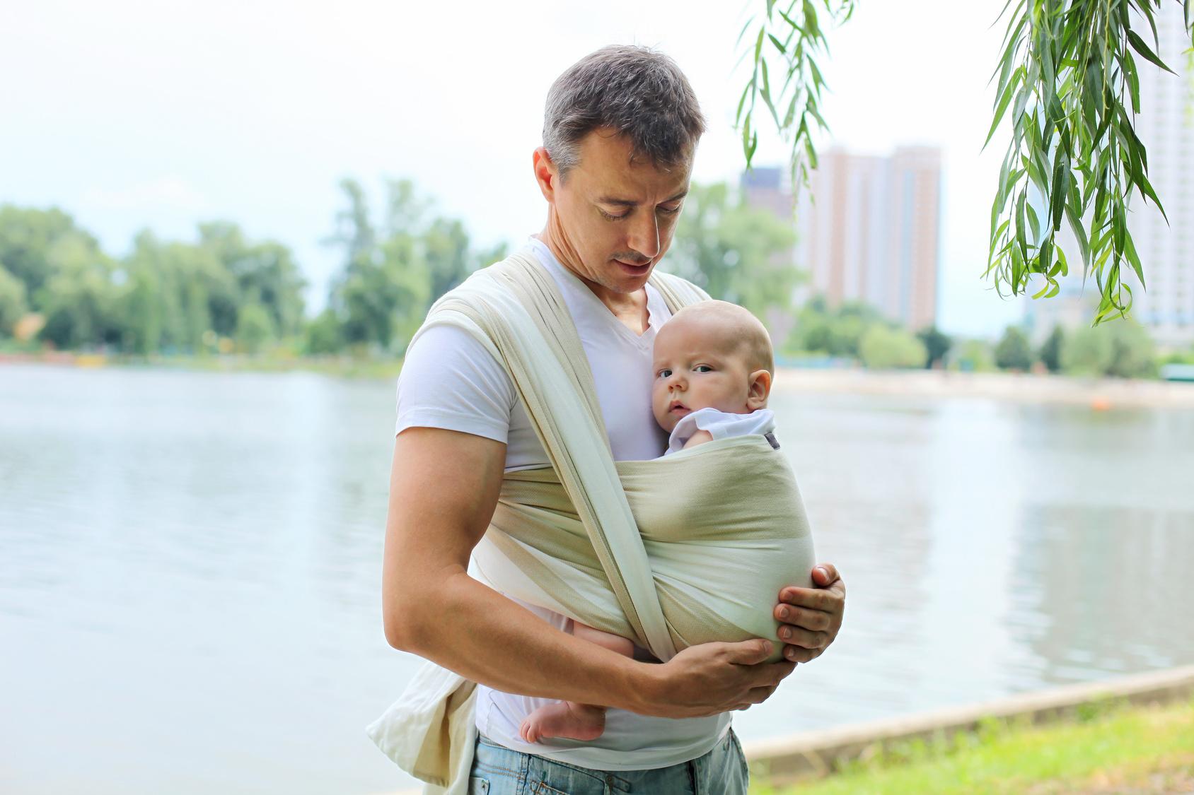 Portage   comment choisir entre écharpe et porte-bébé     Laurence Pernoud 629715042140